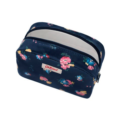 Park Meadow Bunch Classic Cosmetic Case